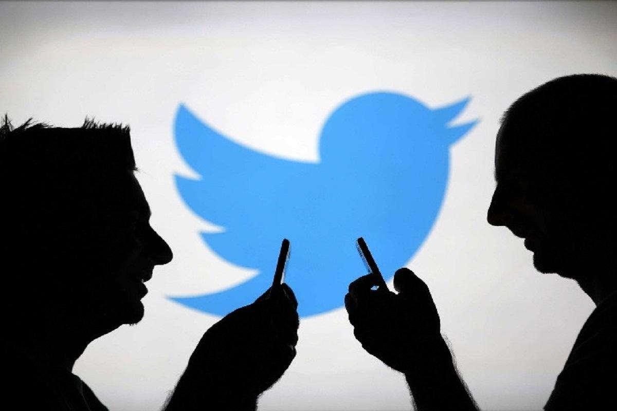 Facebook,Twitter,LinkedIn,Watsapp,Social Media,Tweeting