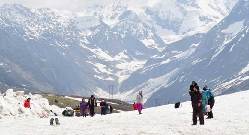 10 places to visit on your next trip to kullu manali kanigas for Where to vacation in january